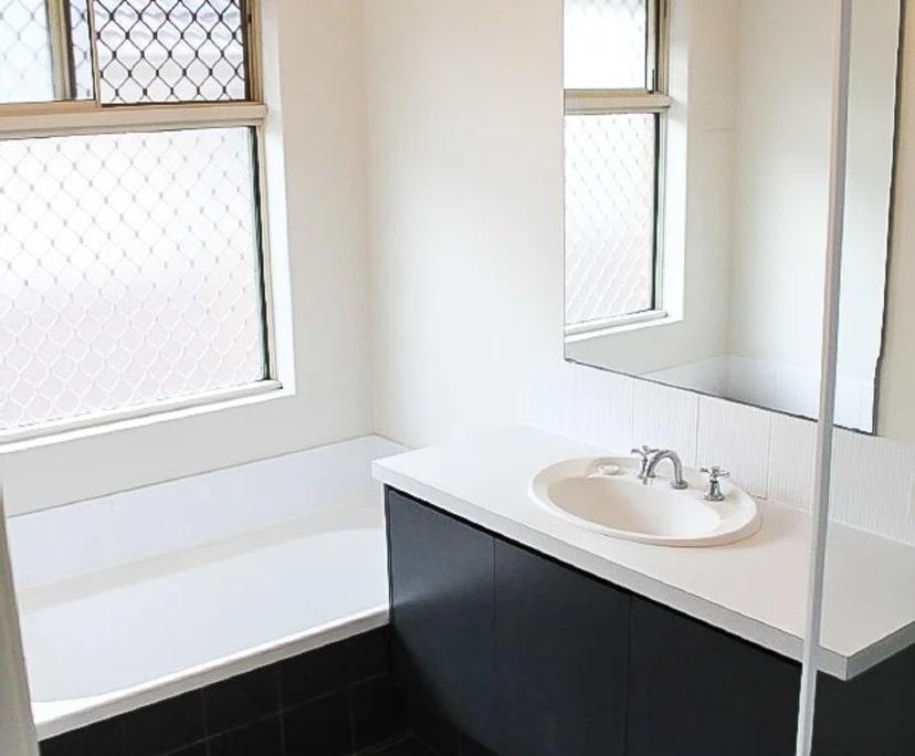 $125, Share-house, 6 bathrooms, Bentley WA 6102
