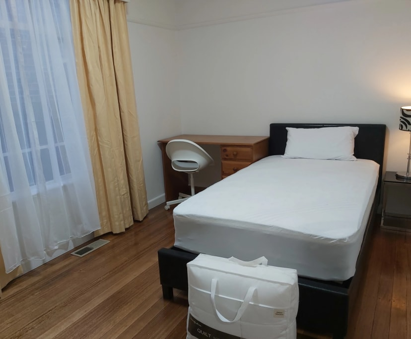 $165-200, Student-accommodation, 3 rooms, Sunshine North VIC 3020, Sunshine North VIC 3020