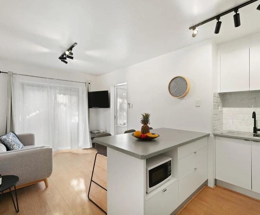 $375, 1-bed, 1 bathroom, Northcote VIC 3070