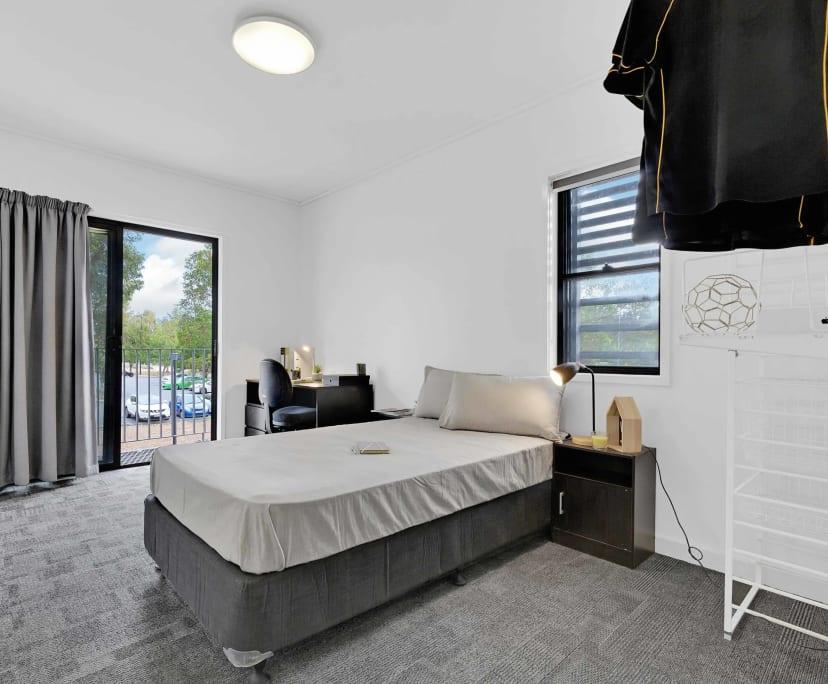 $150-175, Student-accommodation, 2 rooms, Sinnathamby Boulevard, Springfield Central QLD 4300, Sinnathamby Boulevard, Springfield Central QLD 4300