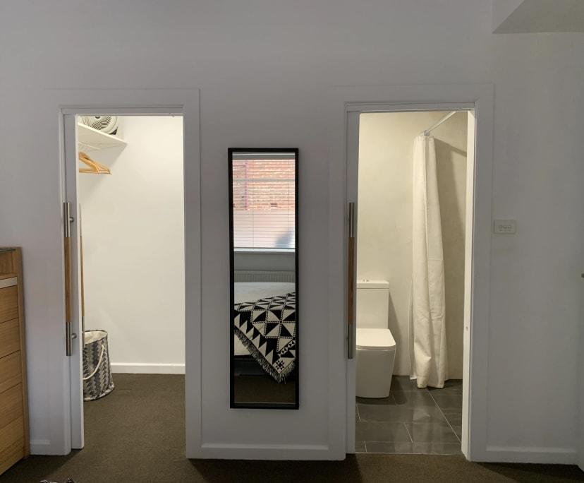 $300, Flatshare, 3 bathrooms, Chapel Street, St Kilda VIC 3182