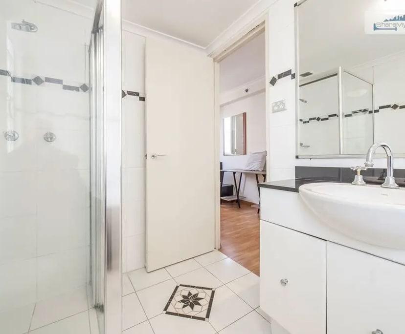 $180, Flatshare, 3 bathrooms, George Street, Sydney NSW 2000