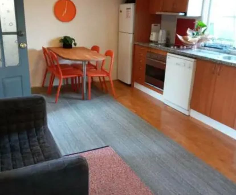 $400, Granny-flat, 2 bathrooms, Anzac Parade, Malabar NSW 2036