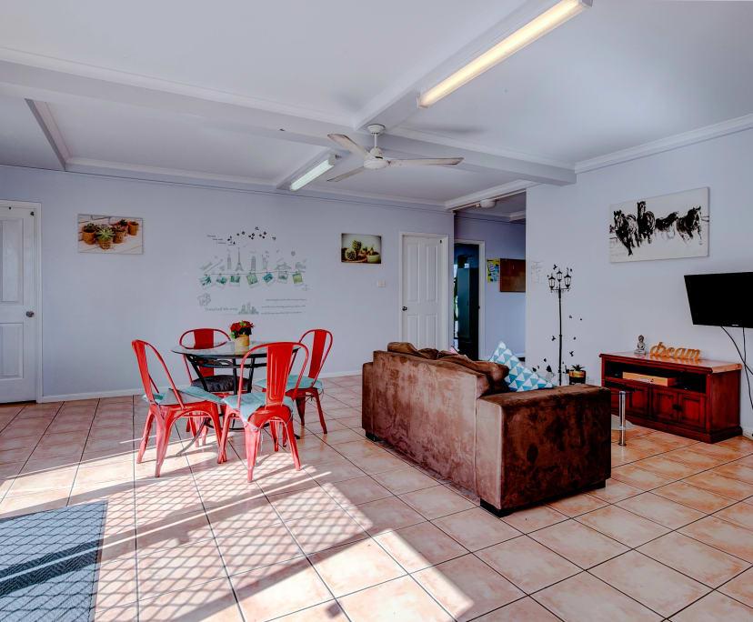 $140, Flatshare, 5 bathrooms, Draper Street, Parramatta Park QLD 4870