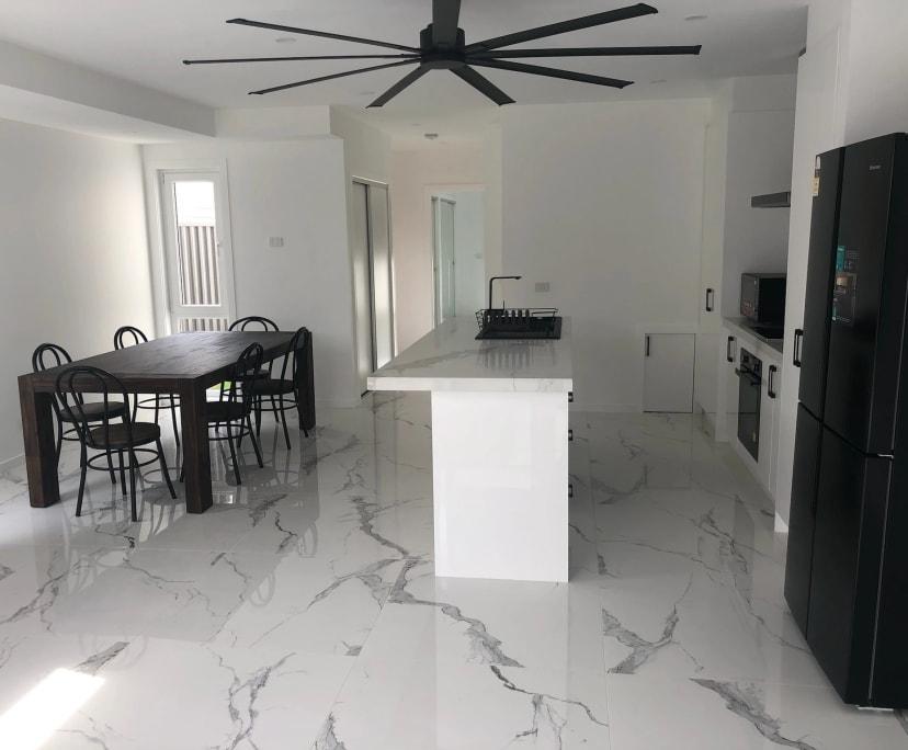 $330, 1-bed, 1 bathroom, Yarraville VIC 3013