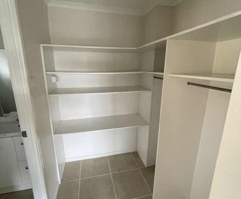 $285, Share-house, 6 bathrooms, Victor Street, Alexandra Headland QLD 4572
