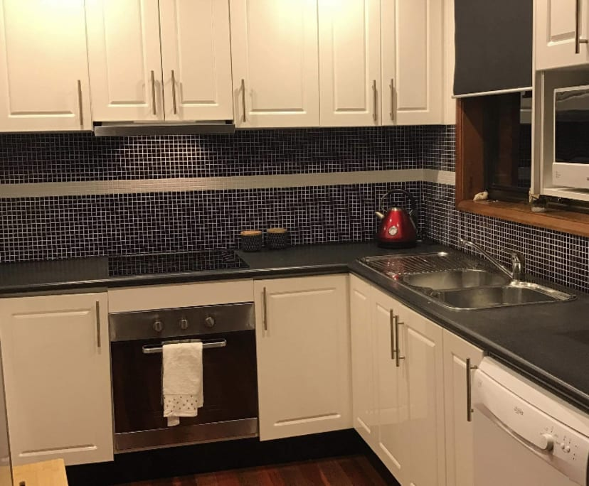 $240, Share-house, 4 bathrooms, Cameron Place, Figtree NSW 2525