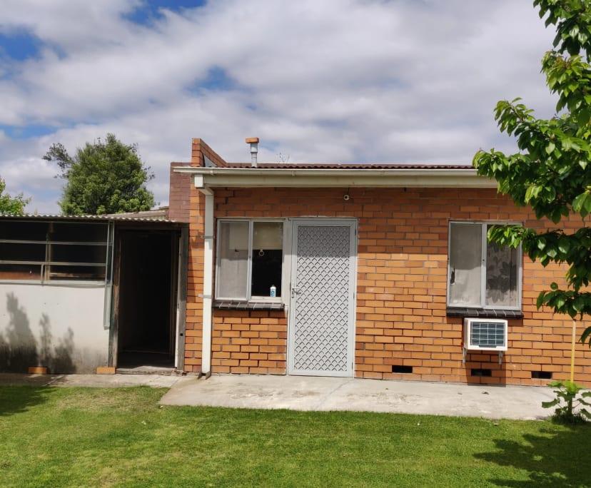 $180, Granny-flat, 1 bathroom, Juniper Crescent, Thomastown VIC 3074
