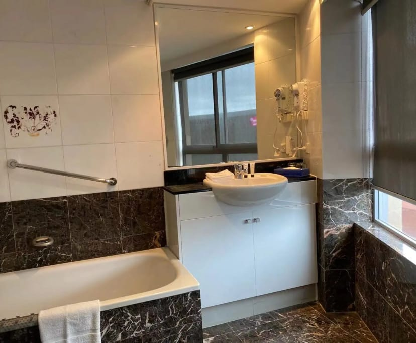 $400, 1-bed, 1 bathroom, Harbour Street, Sydney NSW 2000