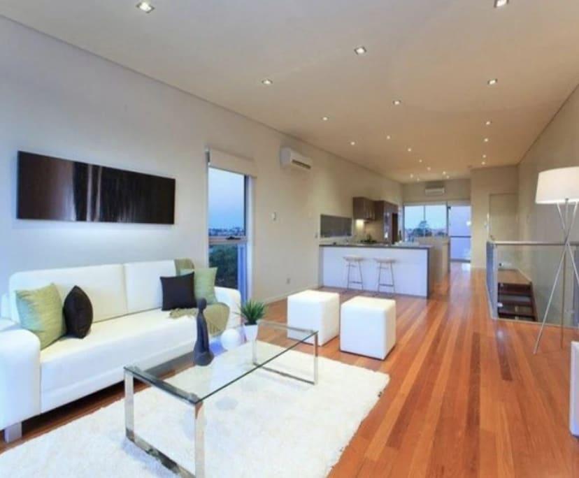 $224, Share-house, 3 bathrooms, Lytton Road, East Brisbane QLD 4169