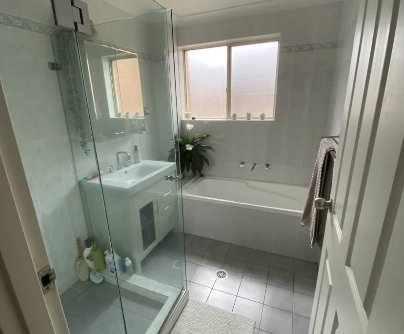 $250, Flatshare, 2 bathrooms, Talara Road, Gymea NSW 2227