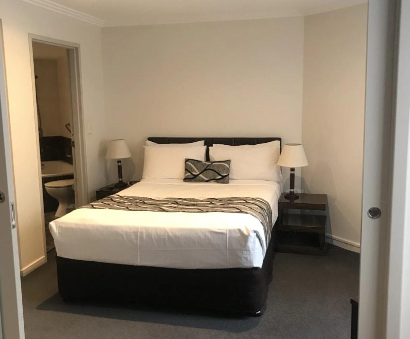 $385, 1-bed, 1 bathroom, Sydney NSW 2000