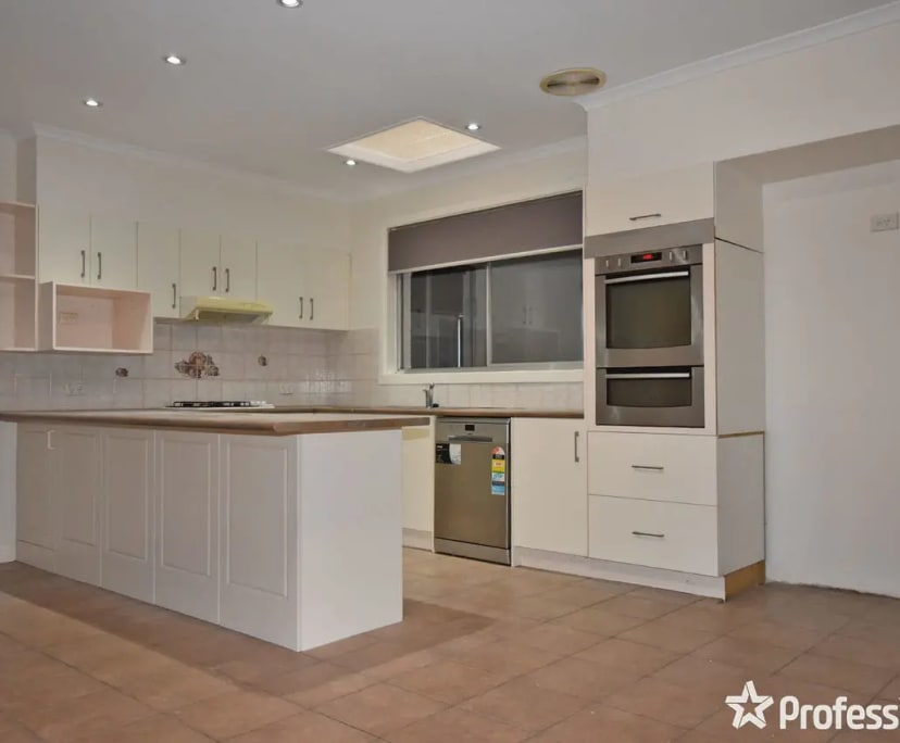 $150, Share-house, 2 bathrooms, Hillview Drive, Kilsyth VIC 3137