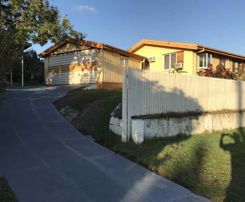 $169, Share-house, 4 bathrooms, Holland Park QLD 4121