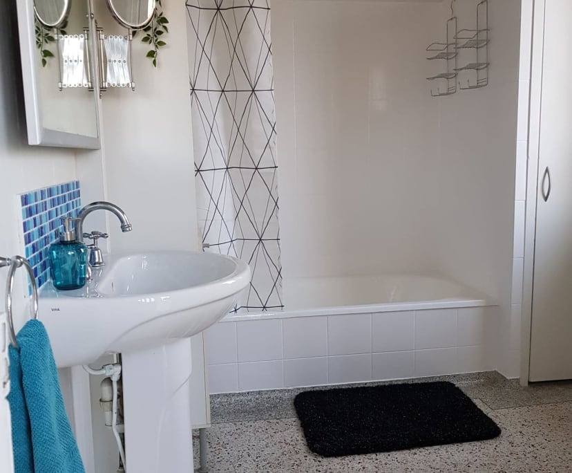 $210, Share-house, 4 bathrooms, Toohey Street, Kangaroo Point QLD 4169