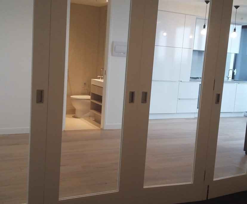 $350, Flatshare, 2 bathrooms, Yarra Street, South Yarra VIC 3141