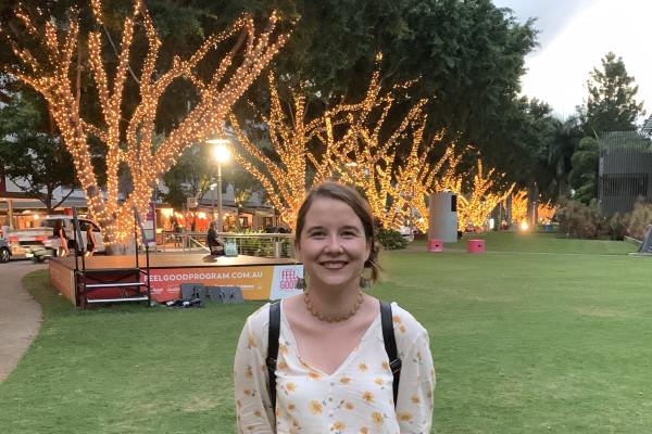 Sarah (21), $220, No pets, Non-smoker, and No children