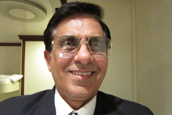 Rajinder (40), $400,