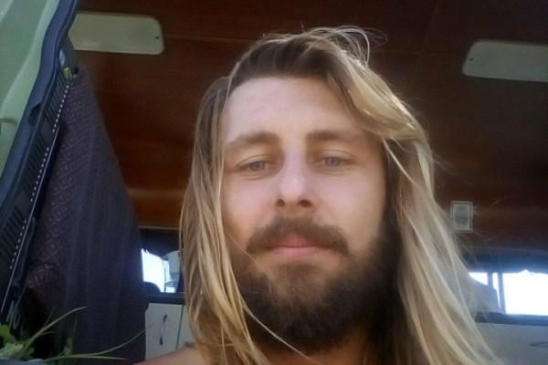 Billy (28), $200,