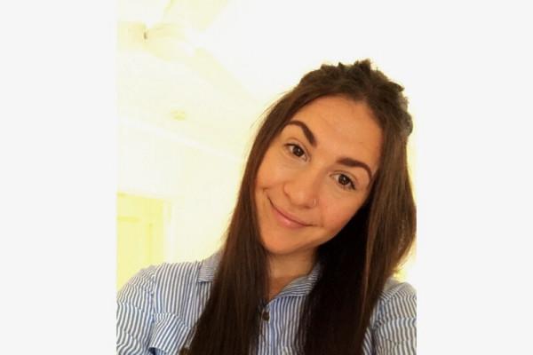 Emma (19), $250, Non-smoker, No pets, and No children