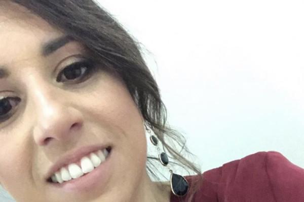 Daniella (28), $200, Non-smoker, Have pets, and No children