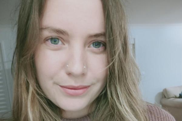 Alana (24), $150,