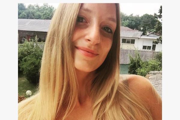 Elisa (27), $300, Non-smoker, No pets, and No children