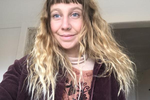 Hetty (24), $230, Non-smoker, No pets, and No children