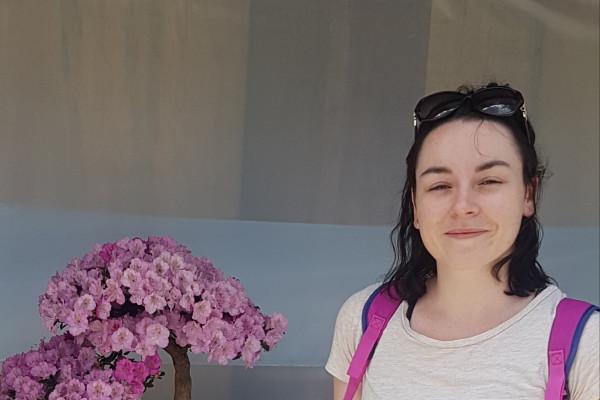 Rebecca (26), $250, Non-smoker, No pets, and No children
