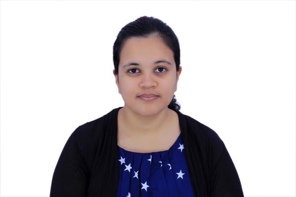 Sanjana (28), $350, Non-smoker, No pets, and No children