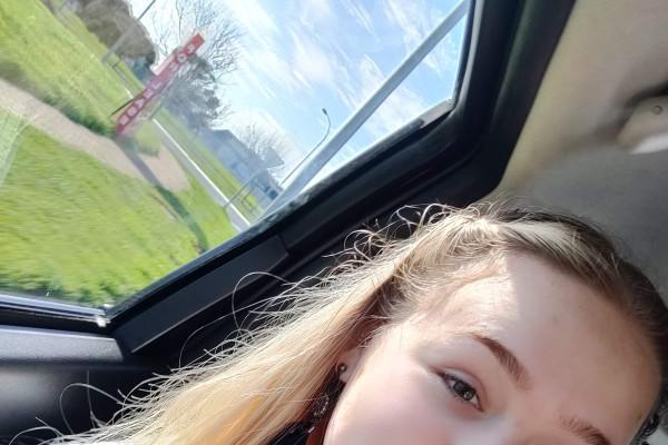 Catherine (16), $70, Non-smoker, No pets, and No children
