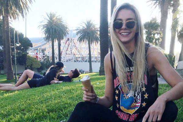 Kate (20), $250, Smoker, No pets, No children, and LGBT+