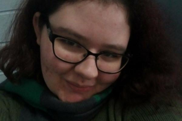 Tahlia (20), $300, Non-smoker, No pets, and No children