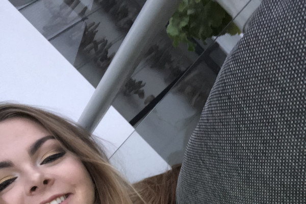 Tayla (18), $200, Non-smoker, No pets, and No children