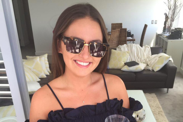 Emily (21), $300, No pets, No children, and Non-smoker