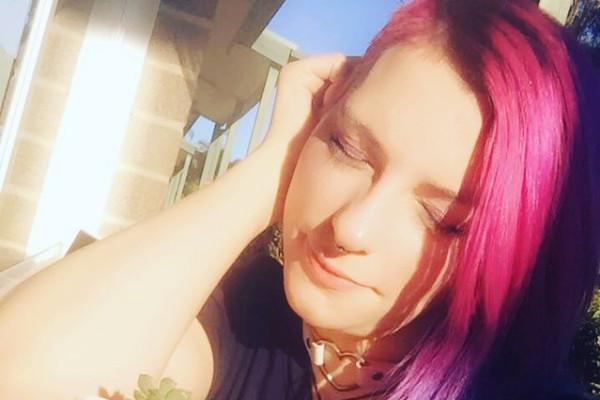 Brooke (27), $200, Non-smoker, No pets, No children, and LGBT+
