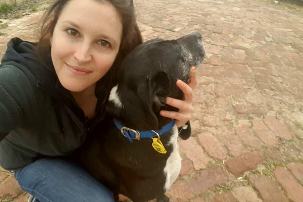 Samantha (29), $250, Have pets, Non-smoker, and No children