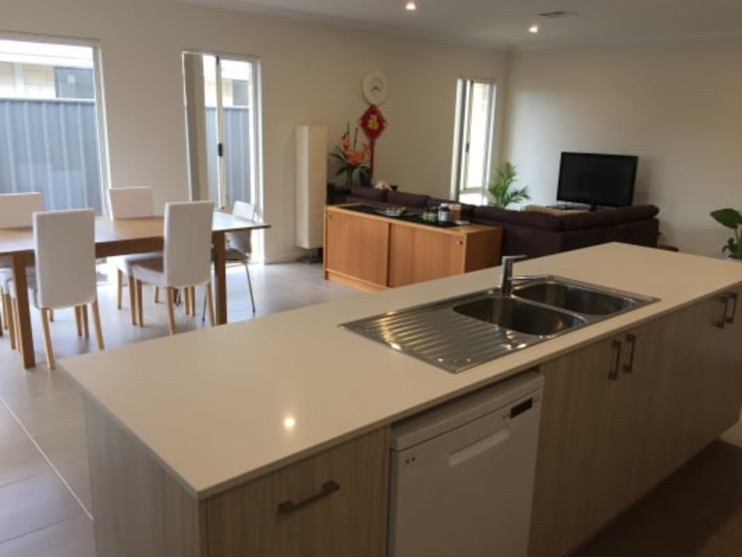 $150, Share-house, 4 bathrooms, Willowdale Promenade, Piara Waters WA 6112