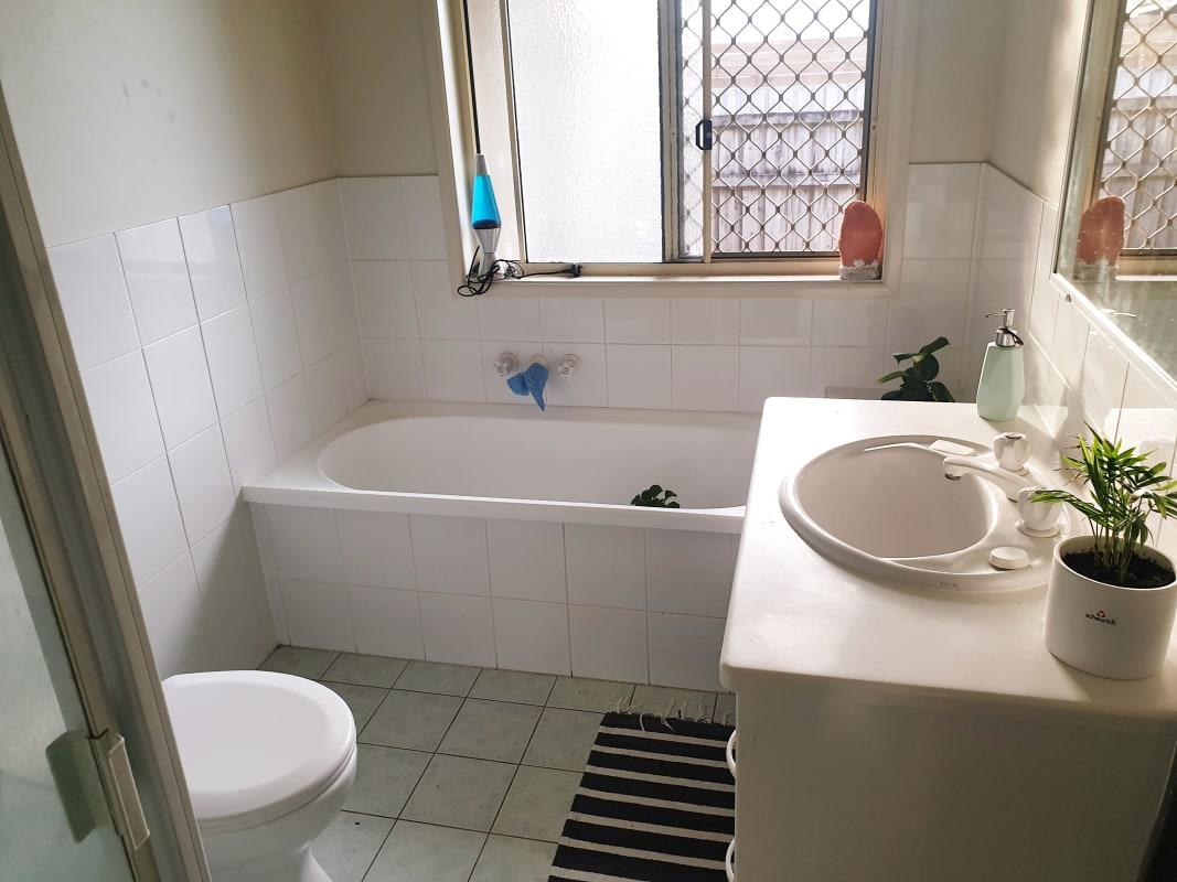 $200, Share-house, 3 bathrooms, Swanton Drive, Mudgeeraba QLD 4213