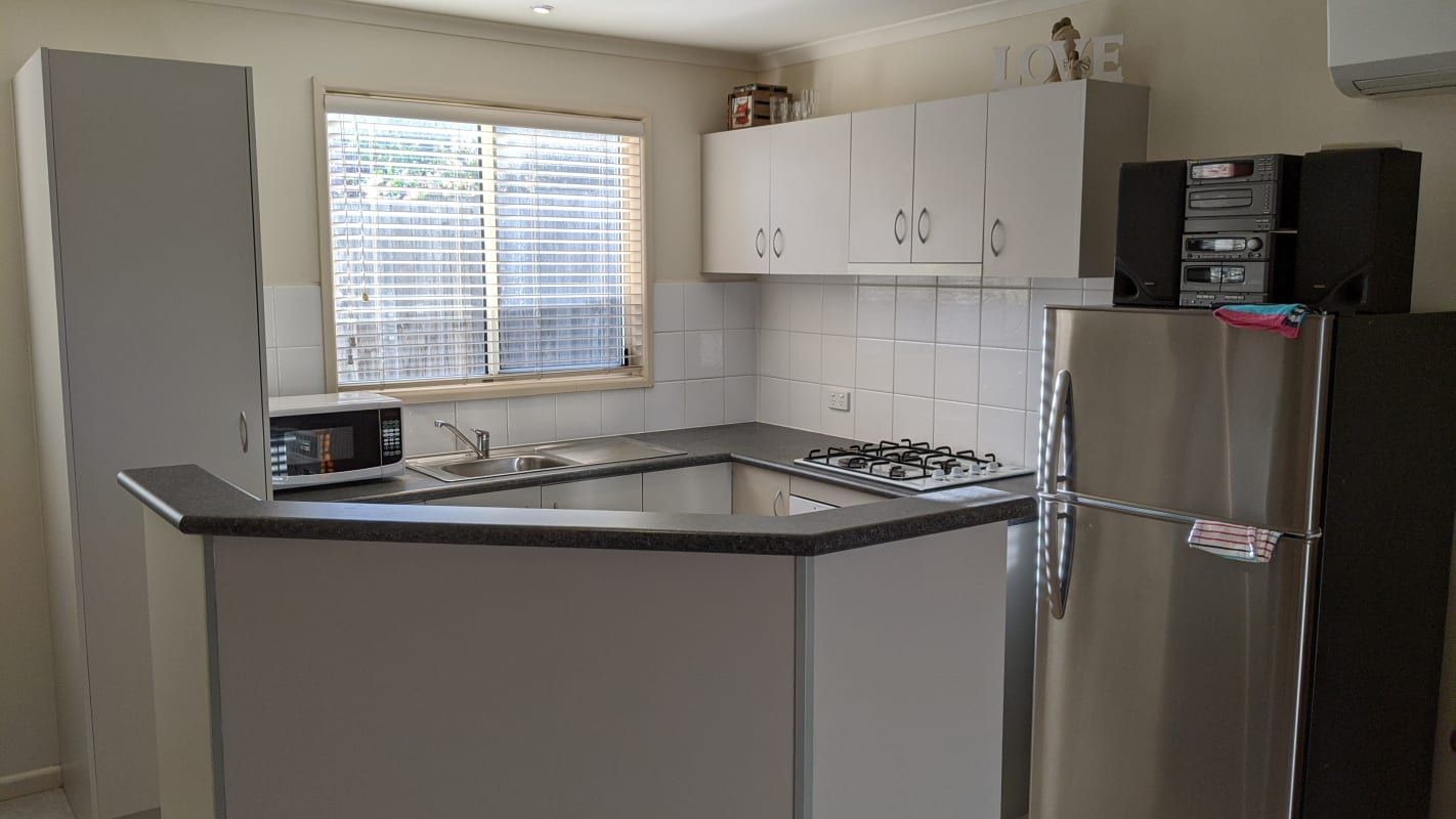 $320, Granny-flat, 1 bathroom, Barnes Avenue, Burwood VIC 3125