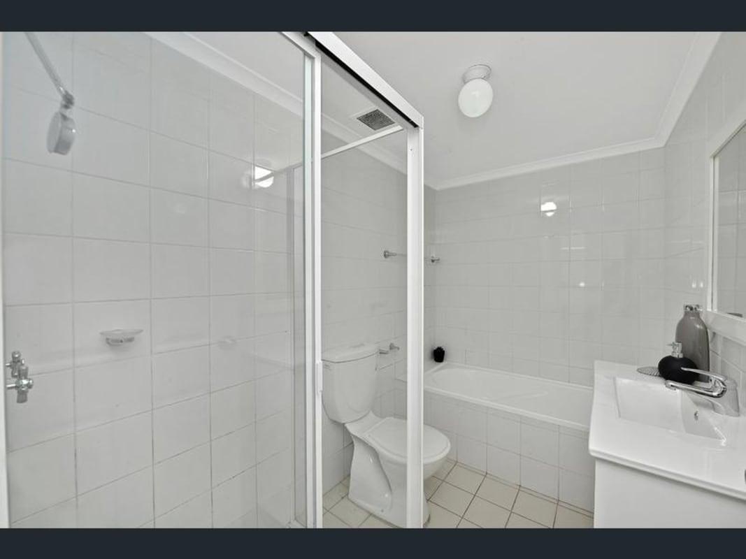 $320, Flatshare, 3 bathrooms, Everton Road, Strathfield NSW 2135