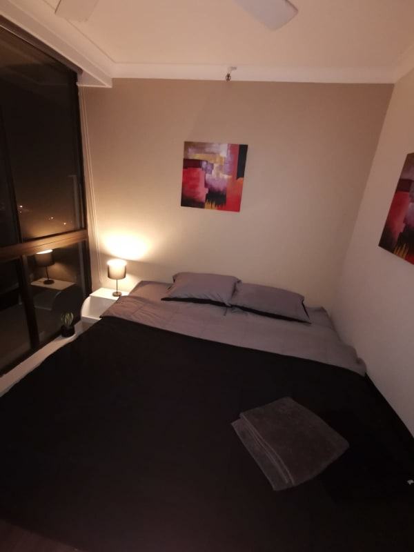 $275, Flatshare, 2 bathrooms, Ferny Avenue, Surfers Paradise QLD 4217