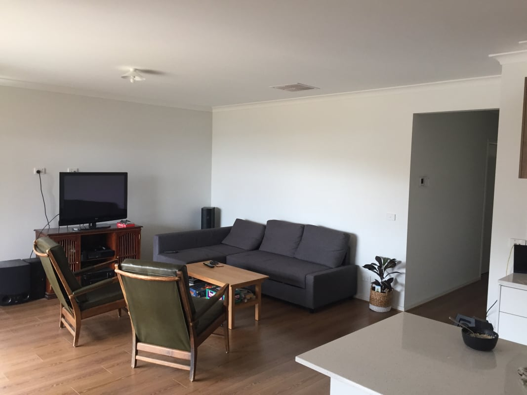 Room For Rent In Dolder Street Herne Hill Geelong
