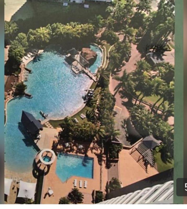 $350, Flatshare, 2 bathrooms, Commodore Drive, Surfers Paradise QLD 4217