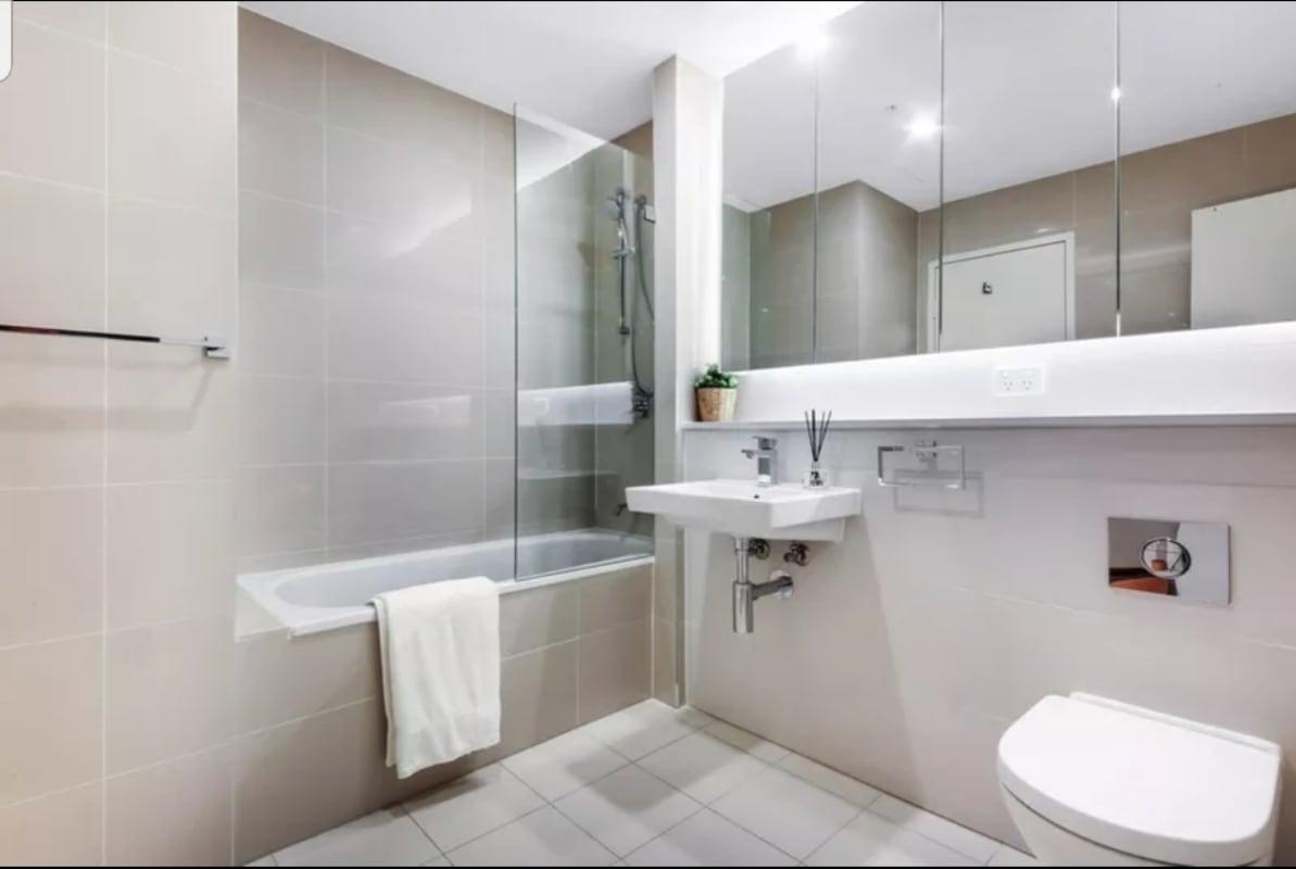 $300, Flatshare, 2 bathrooms, Hamilton Crescent, Ryde NSW 2112