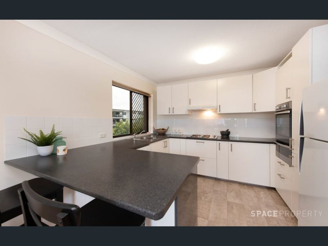 $390, Whole-property, 2 bathrooms, Ashgrove Avenue, Ashgrove QLD 4060