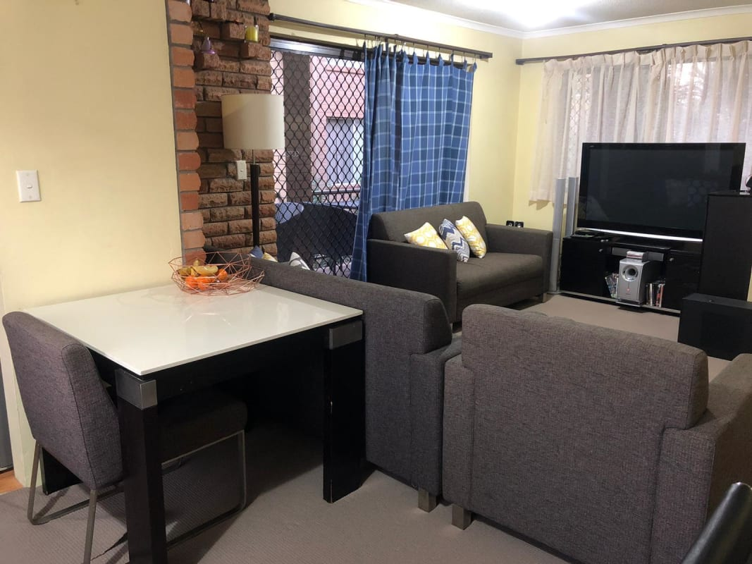 $400, Flatshare, 2 bathrooms, Chelsea Avenue, Broadbeach QLD 4218