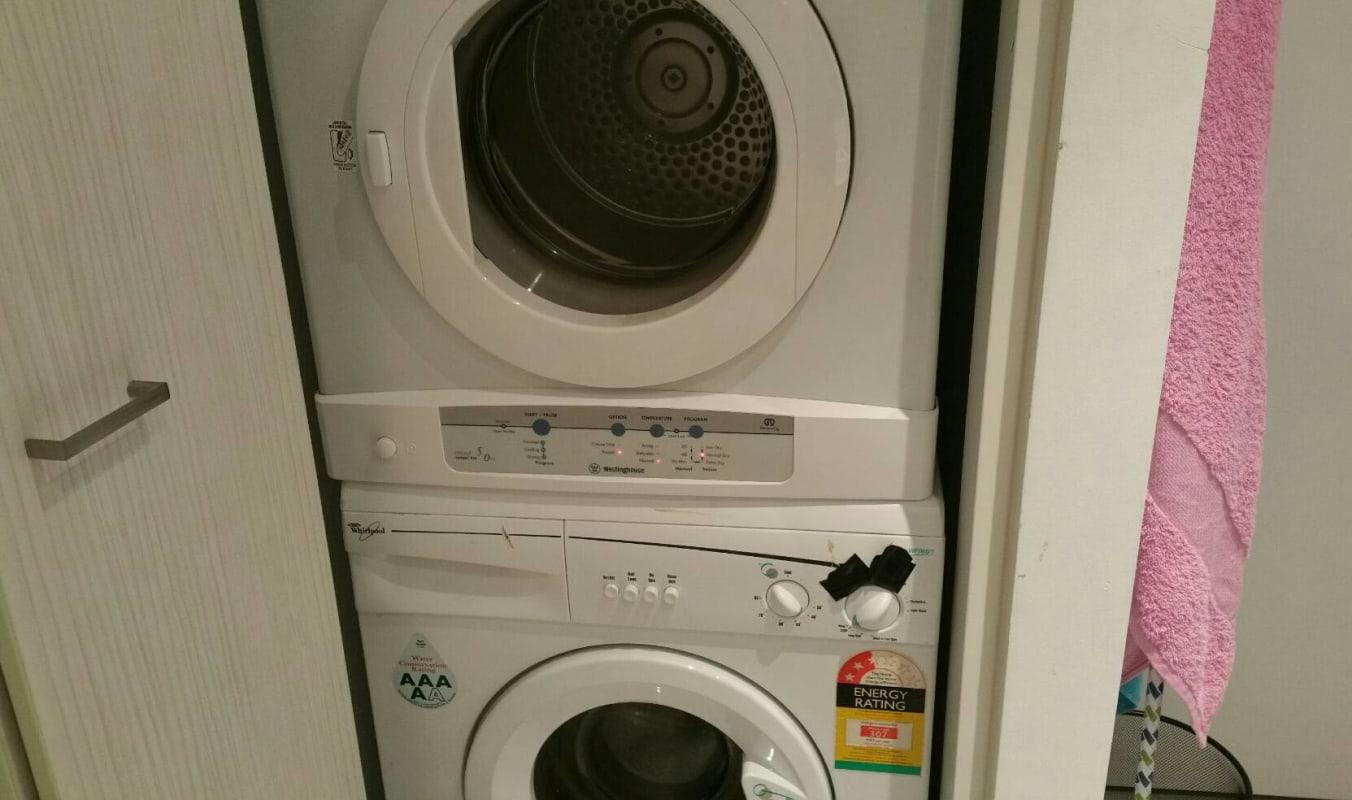 $120, Flatshare, 2 bathrooms, MacKenzie Street, Melbourne VIC 3000