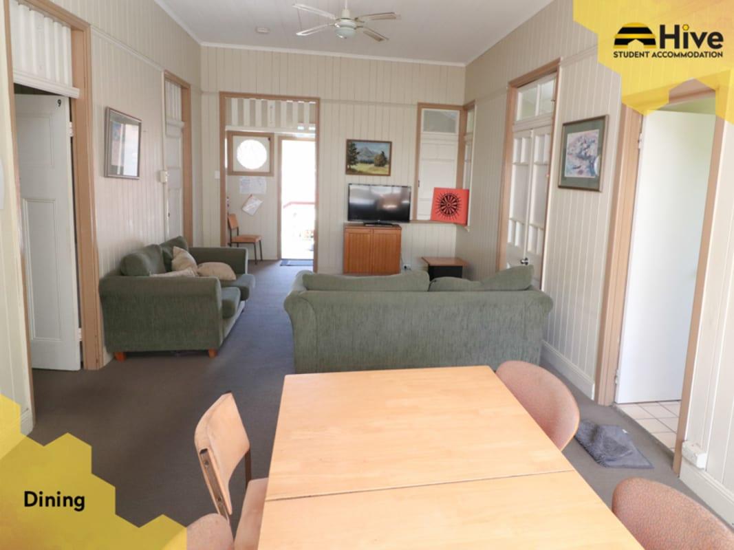 $125-165, Student-accommodation, 3 rooms, Fenton Street, Fairfield QLD 4103, Fenton Street, Fairfield QLD 4103