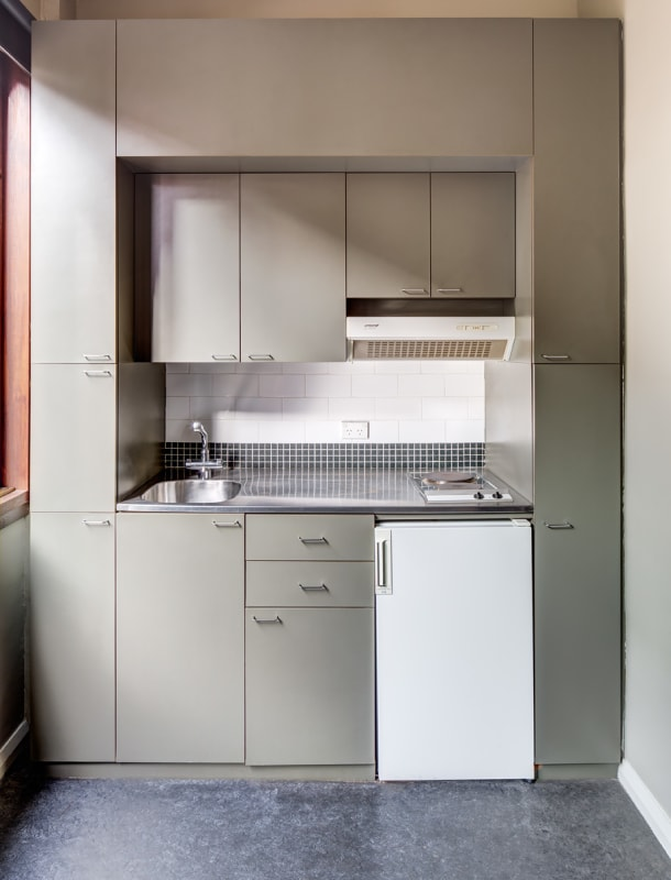 $400, Studio, 1 bathroom, Springfield Avenue, Potts Point NSW 2011